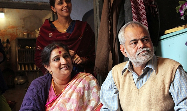 ankhon_dekhi_movie_review.jpg